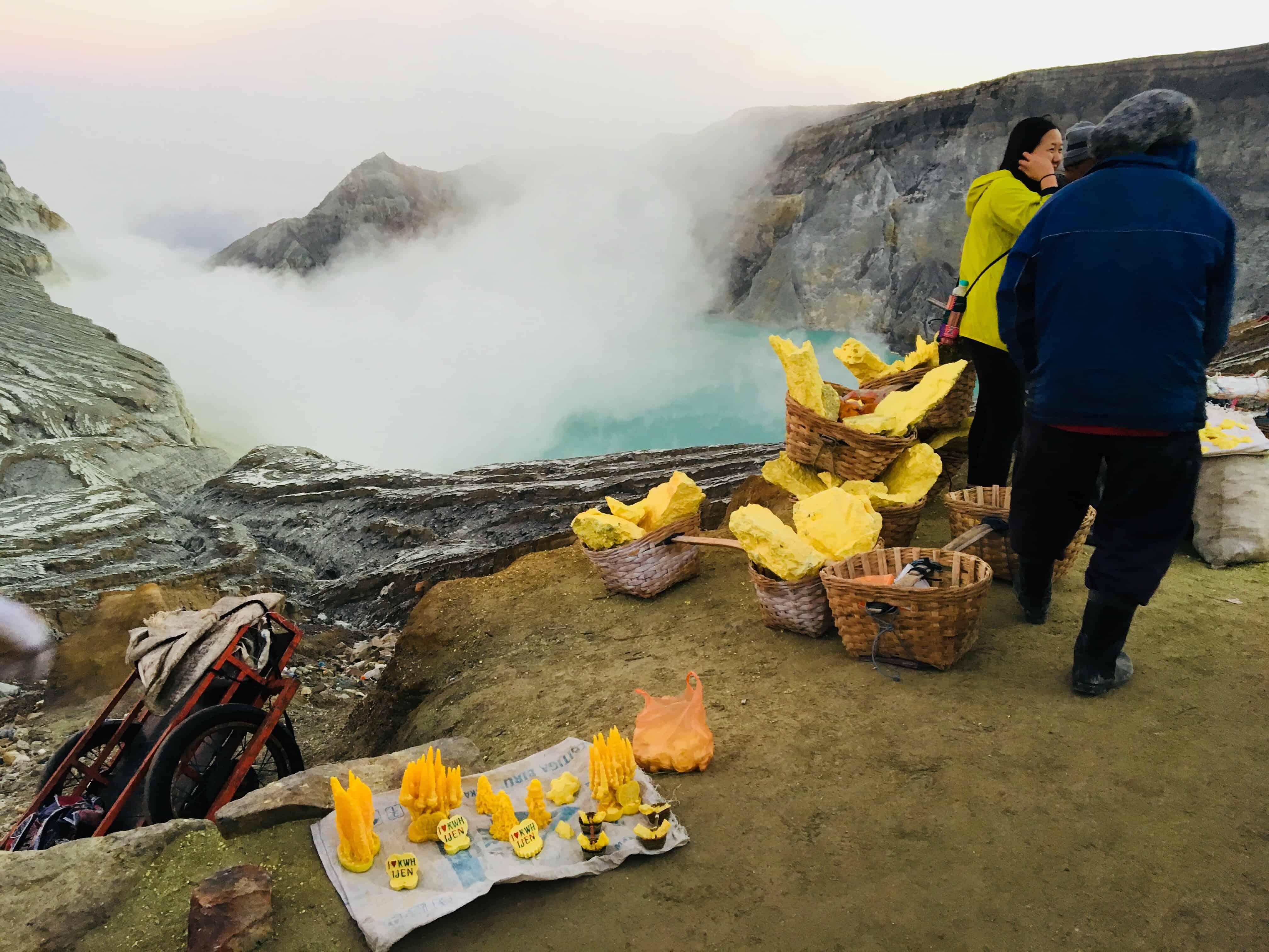 Vulcano Ijen, lago acido, miniera zolfo